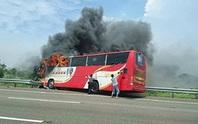 Cháy xe buýt chở khách Trung Quốc, 26 người chết