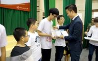 Trao học bổng cho trẻ em nghèo