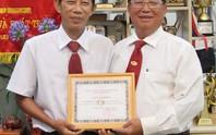 Vinasun khen thưởng tài xế giúp người bị nạn