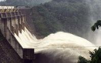 Quảng Nam: Hạ du ngập nước, nhiều thủy điện lại tăng lượng xả lũ