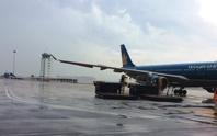 Sân bay Tân Sơn Nhất khắc phục xong đường băng bị hư hỏng