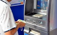 Đến lượt Vietinbank tăng phí rút tiền qua ATM