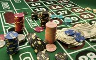 Giả bị casino bắt chuộc mạng, con lừa cha để có tiền đi chơi