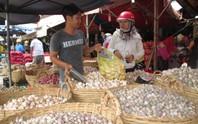 Lo hàng Trung Quốc và ASEAN tràn vào