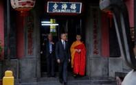 Háo hức đón Tổng thống Obama ở chùa Ngọc Hoàng