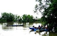 Vỏ lãi tông nhau, 1 người mất tích trên sông Trẹm
