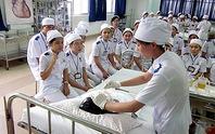 240 ứng viên trúng tuyển điều dưỡng, hộ lý