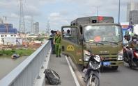 Bỏ xe trên cầu, thanh niên nhảy sông Sài Gòn tự tử
