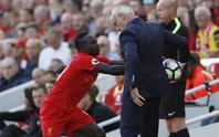 Trào lưu nhặt bóng không trả: Guardiola gọi, Ranieri trả lời