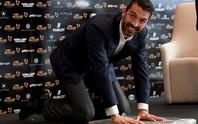 Qua mặt Messi và Ronaldo, Buffon đoạt Bàn chân vàng