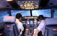 Phi công bị chói mắt vì đoàn xiếc diễn gần sân bay Nội Bài