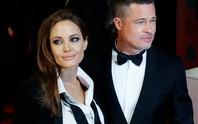 Brad Pitt tố Angelina Jolie không tự điều tiết hành vi