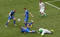 Xem thủ môn Hungary vồ ếch, hậu vệ Iceland đốt lưới nhà
