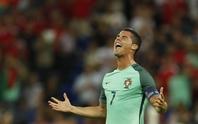 Ronaldo: 12 năm chờ sự ghi nhận