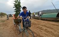 Xót xa cảnh hàng trăm hộ dân Quảng Ngãi đón Tết trong lũ
