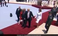 Bà Melania không cho TT Trump nắm tay thăm Israel