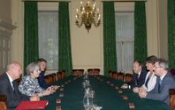 Thỏa thuận đắt giá gần 1,3 tỉ USD của thủ tướng Anh