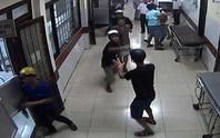 Đuổi tới bệnh viện truy sát, 1 người chết, 2 người bị thương
