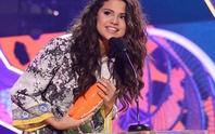 Selena đánh bại Adele ở giải Kids' choice