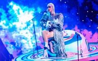 Katy Perry chọn trang phục của Công Trí cho sô diễn