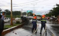 Tai nạn liên hoàn, xe tải bốc cháy dữ dội