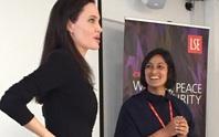 Angelina Jolie: Giảng viên đáng kinh ngạc