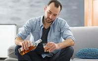 Vì sao nam ghiền rượu hơn nữ?
