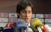 Cựu sao Arsenal Rosicky giải nghệ