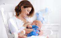 Cho con bú giúp giảm đau sau sinh mổ
