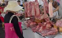 Chợ bẩn, thịt khó sạch!