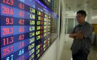 Cổ phiếu ngân hàng, bia rượu lao dốc, VN-Index bốc hơi gần 23 điểm