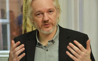 WikiLeaks dọa ông Trump