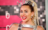 Miley Cyrus từ gái hư thành gái ngoan?