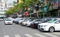 TP HCM: Thu phí đậu ô tô dưới lòng đường qua điện thoại