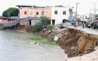 Nhiều đoạn bờ sông ở An Giang rình rập sạt lở