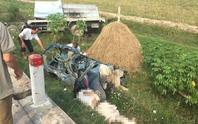 Xe khách và xe tải đấu đầu, thi thể tài xế dập nát