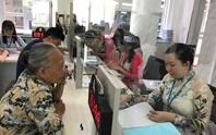 TP HCM: Công chức phải mặc quần tây, áo sơ mi khi đi làm