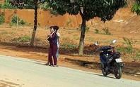 Dùng dao khống chế con tin rồi buộc xe công an chạy lòng vòng