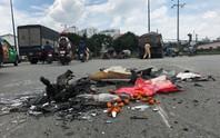 Xe máy vỡ vụn, người đàn ông nguy kịch sát gầm xe ben