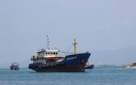 Sau 40 giờ chìm tàu, vẫn chưa tìm thấy 5 thuyền viên gặp nạn
