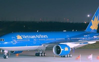 Máy bay Vietnam Airlines hạ cánh khẩn cấp để cấp cứu hành khách co giật