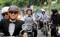 Quý ông, quý bà cưỡi mô tô, xe cổ gây quỹ từ thiện