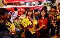 Ngày về rạng ngời của tuyển bóng đá nữ Việt Nam