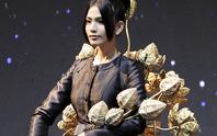 Trương Thị May, Nam Em tôn nét đẹp lãnh Mỹ A mang cả đồng sen lên sân khấu