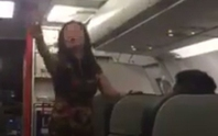 Khách nữ gây rối như hàng tôm hàng cá trên máy bay