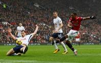 Martial hạ gục Tottenham