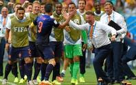 Sợ mất World Cup, Hà Lan cầu cứu Van Gaal