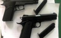 Lời khai thanh niên dùng súng dọa xử tài xế taxi