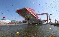 Trung Quốc hạ thủy tàu sân bay nội địa đầu tiên