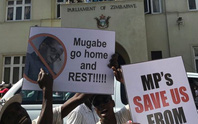 Tổng thống Zimbabwe tự nguyện từ chức